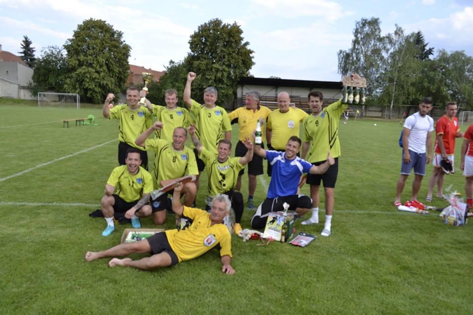 Vítězné mužstvo Vrbátky